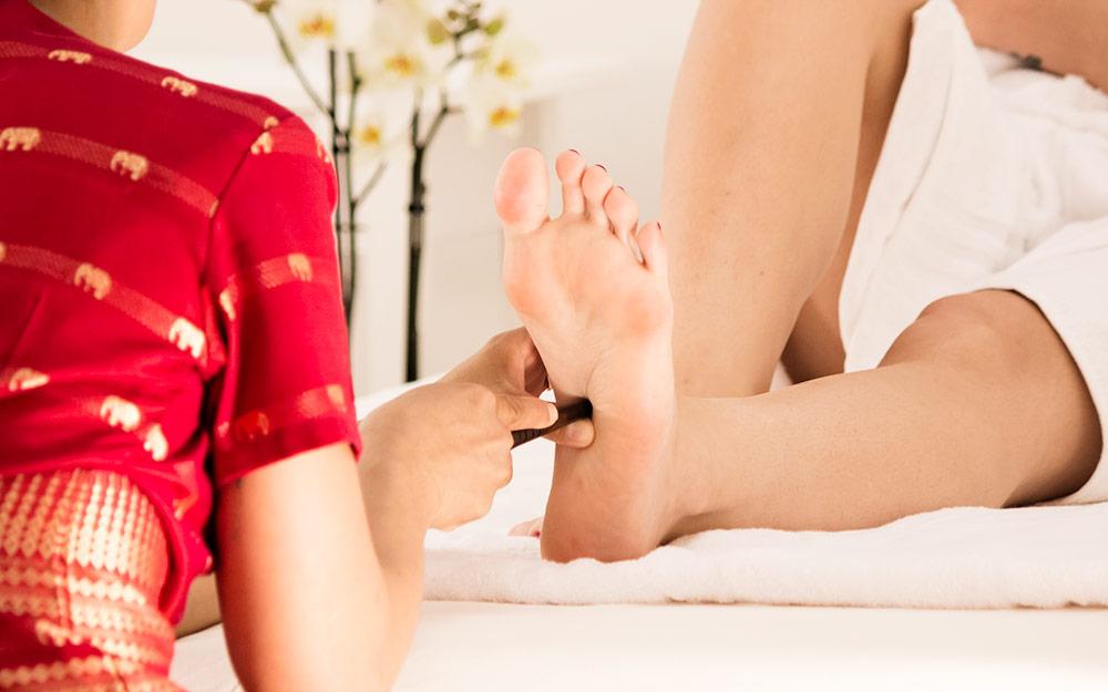 Trattamento di massaggio riflessologico thai