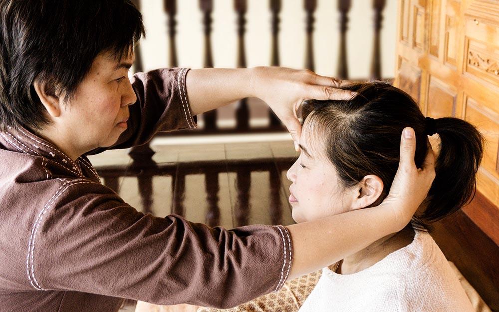 Il Massaggio tradizionale thailandese entra a far parte del patrimonio culturale immateriale dell'Umanità dell'UNESCO. Un riconoscimento più che meritato per una terapia millenaria tramandata da maestro ad allievo fino ai giorni nostri nel rispetto di rigide regole e di una precisa filosofia.