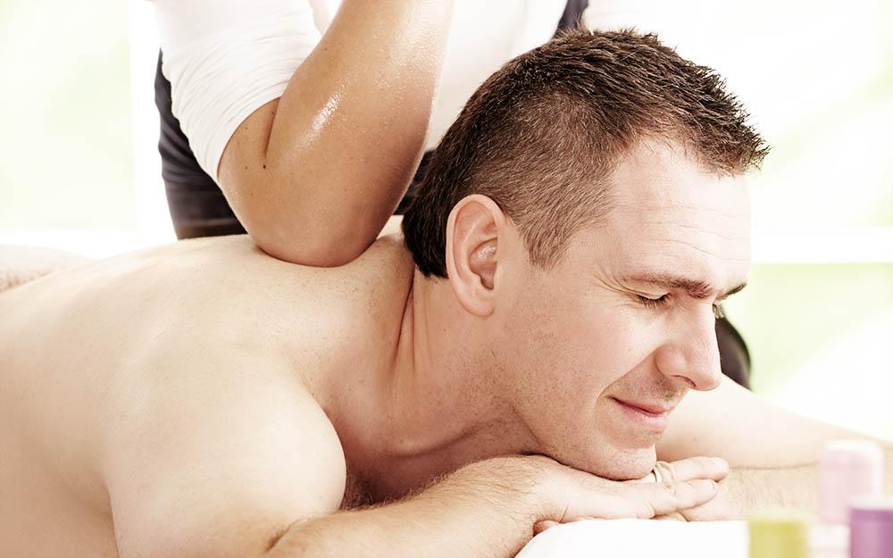 festa del papà. Che il tuo papà sia uno sportivo in allenamento, che sia un tipo un po' stressato dal lavoro o con qualche acciacco alla schiena, un buono regalo per un massaggio thai è un'ottima idea per la Festa del Papà.